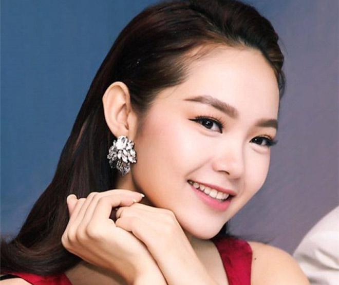 Minh Hằng, hot girl Kelly và những mỹ nhân Việt từng lộ cằm méo lệch - 4