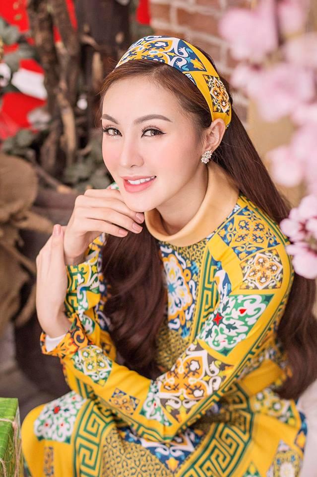 Minh Hằng, hot girl Kelly và những mỹ nhân Việt từng lộ cằm méo lệch - 11