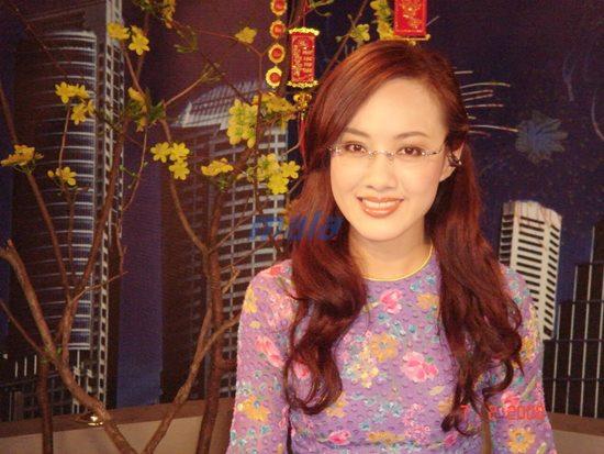 BTV Hoài Anh VTV khiến người hâm mộ bối rối vì để tóc nào cũng đẹp - 8