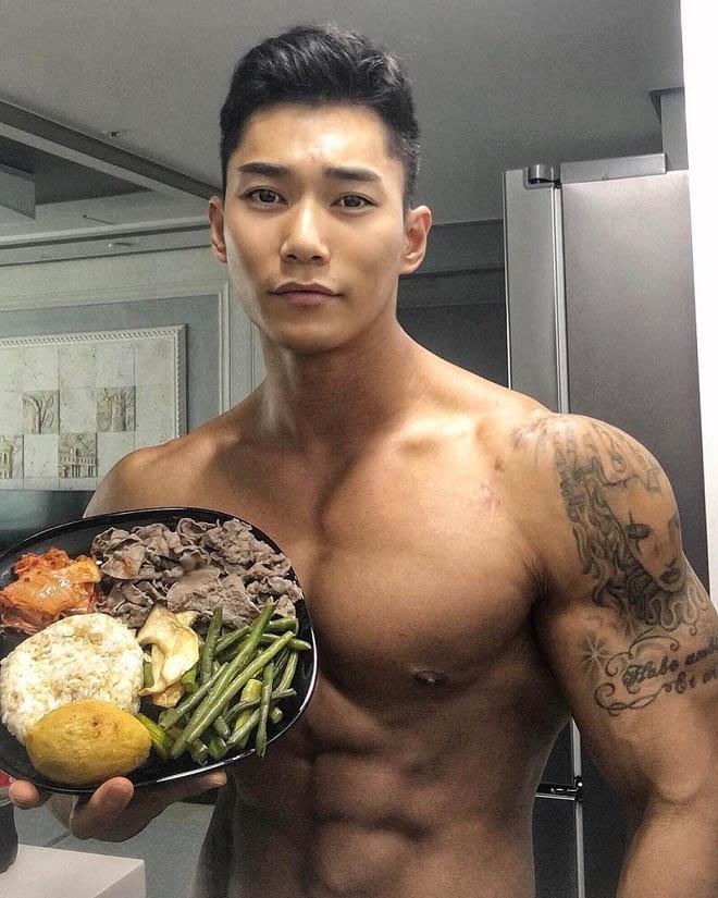 Choáng ngợp trước thân hình nam thần của ông bố trẻ Hàn Quốc - 6