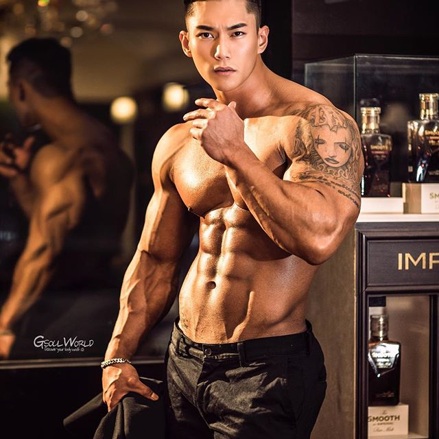 Choáng ngợp trước thân hình nam thần của ông bố trẻ Hàn Quốc - 9