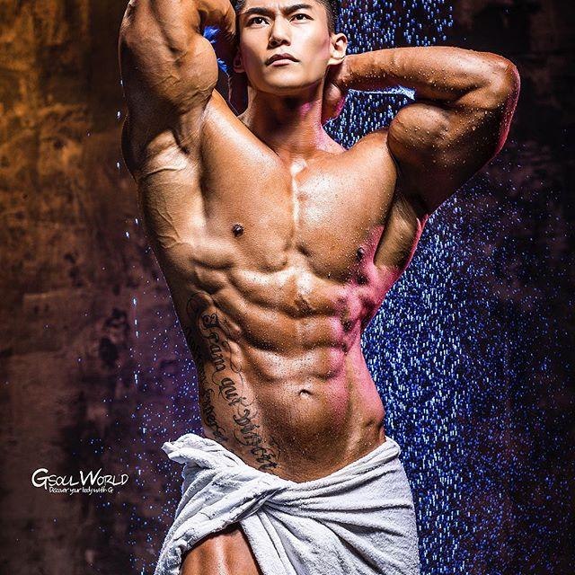 Choáng ngợp trước thân hình nam thần của ông bố trẻ Hàn Quốc - 8