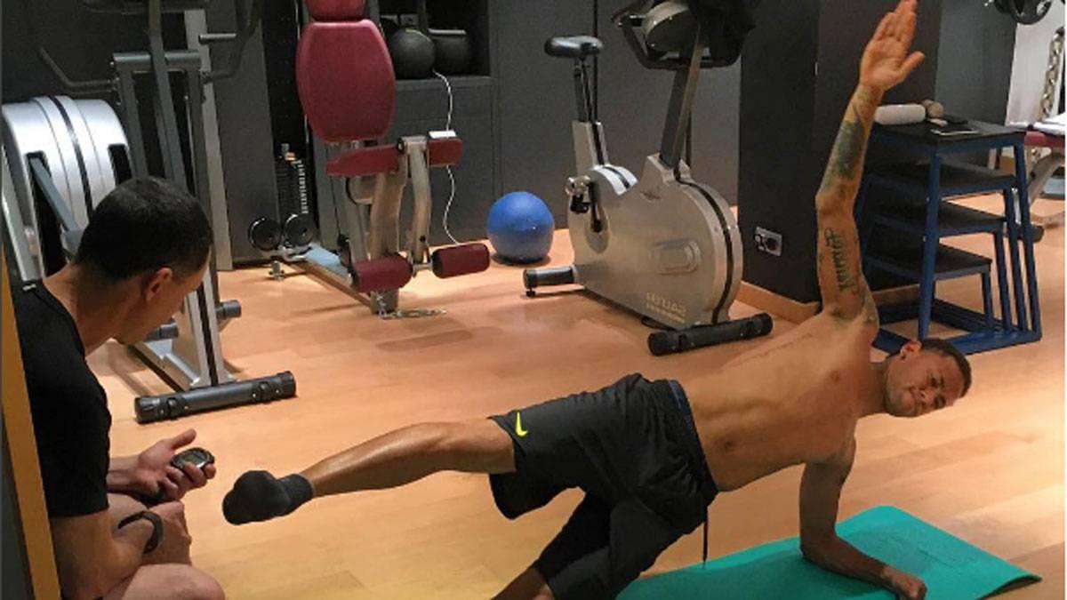 Neymar tích cực tập gym thế nào để sẵn sàng đấu World Cup? - 2