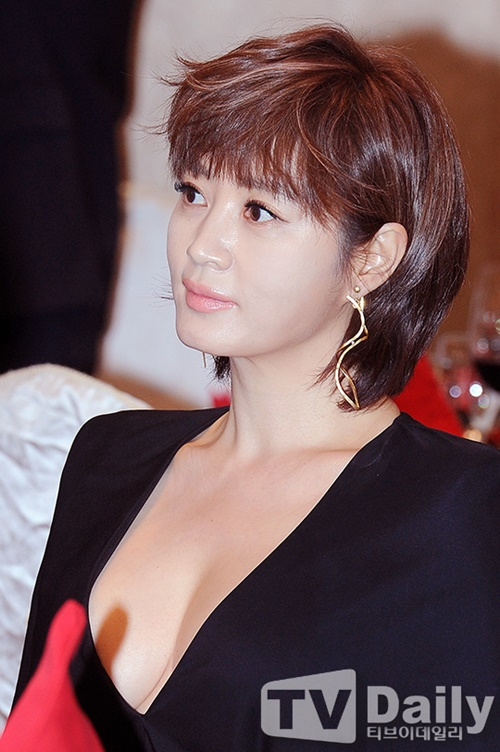 Bí mật đằng sau thân hình bốc lửa của mỹ nhân U50 gợi cảm nhất showbiz Hàn - 14