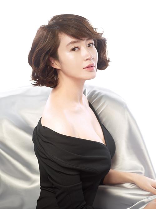 Bí mật đằng sau thân hình bốc lửa của mỹ nhân U50 gợi cảm nhất showbiz Hàn - 9