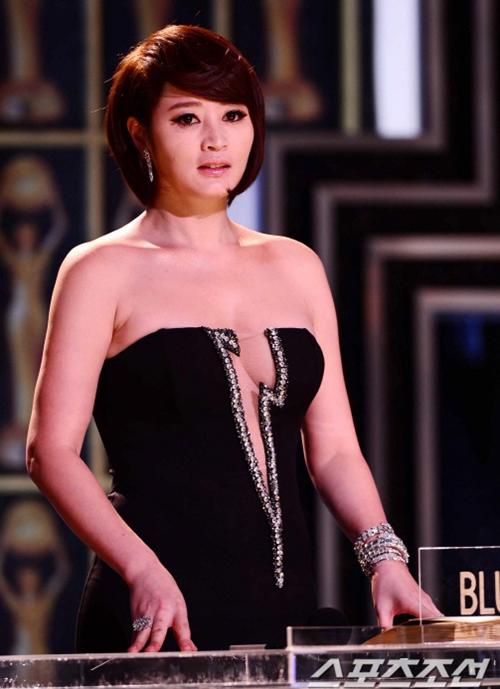 Bí mật đằng sau thân hình bốc lửa của mỹ nhân U50 gợi cảm nhất showbiz Hàn - 7