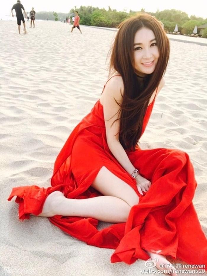 """6 chiêu làm đẹp giúp """"Phan Kim Liên"""" Ôn Bích Hà tự tin mặc bikini ở tuổi 52 - 5"""