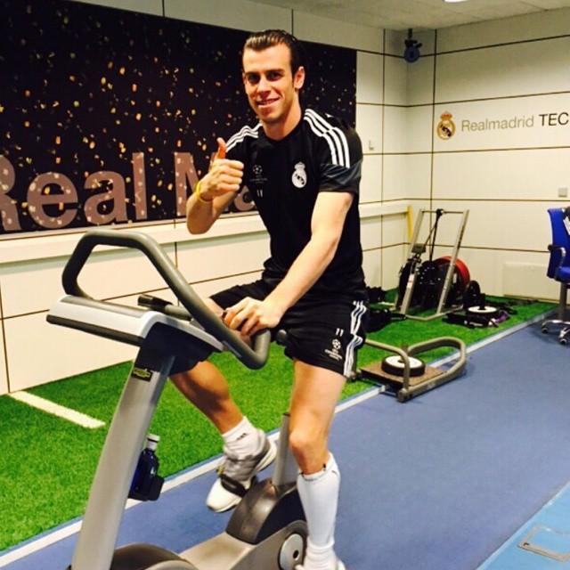 Ibrahimovic, Bale ở nhà xem World Cup nhưng vẫn tích cực tập gym, luyện cơ - 4