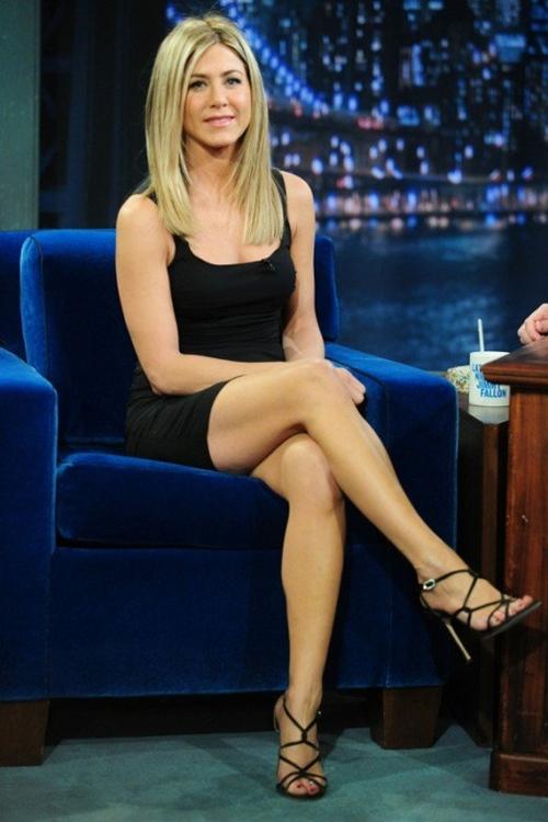 Vợ cũ Brad Pitt gần 50 vẫn quá trẻ đẹp dù toàn dưỡng da kiểu rẻ tiền - 13