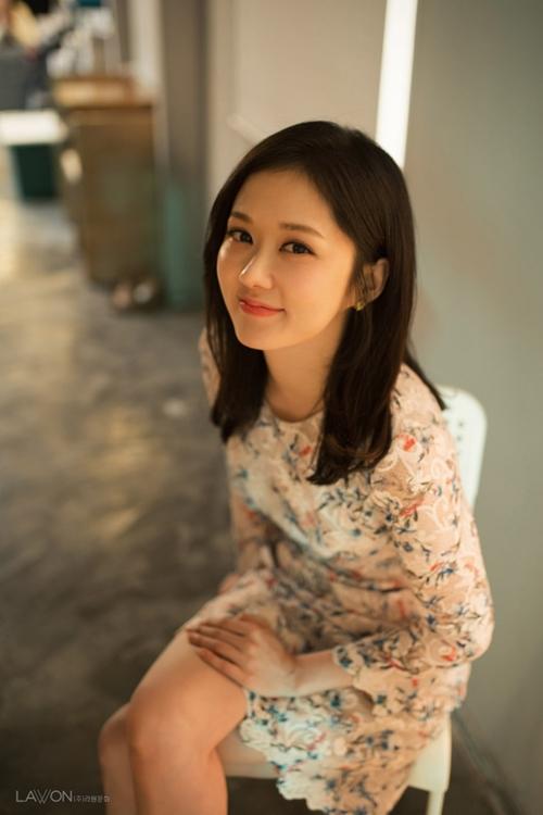 """Gần 40 mà trẻ như gái đôi mươi, bảo sao Jang Na Ra không bị gọi là """"yêu quái"""" - 8"""
