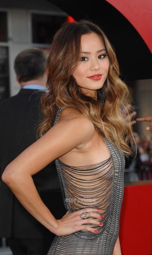 Victoria Beckham và nhiều sao Hollywood siêu giàu vẫn thích làm đẹp rẻ bèo - 11
