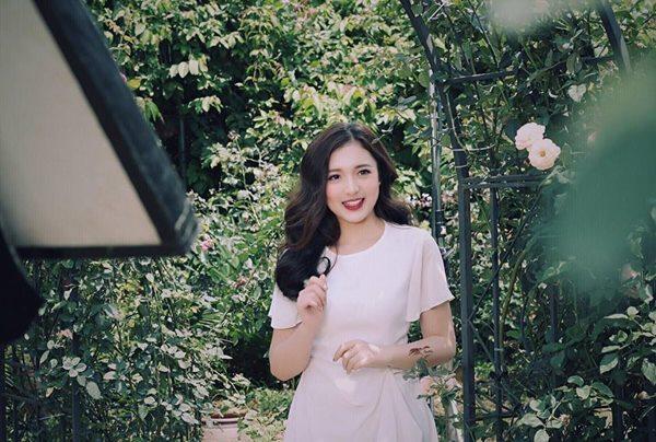 Vẻ đẹp tuổi trăng tròn trong ngần của nữ MC mới của đài VTV - 8