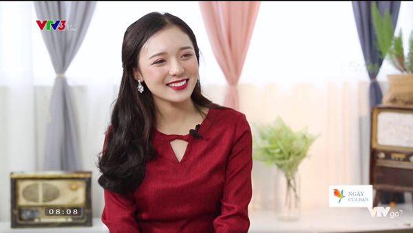 Vẻ đẹp tuổi trăng tròn trong ngần của nữ MC mới của đài VTV - 4