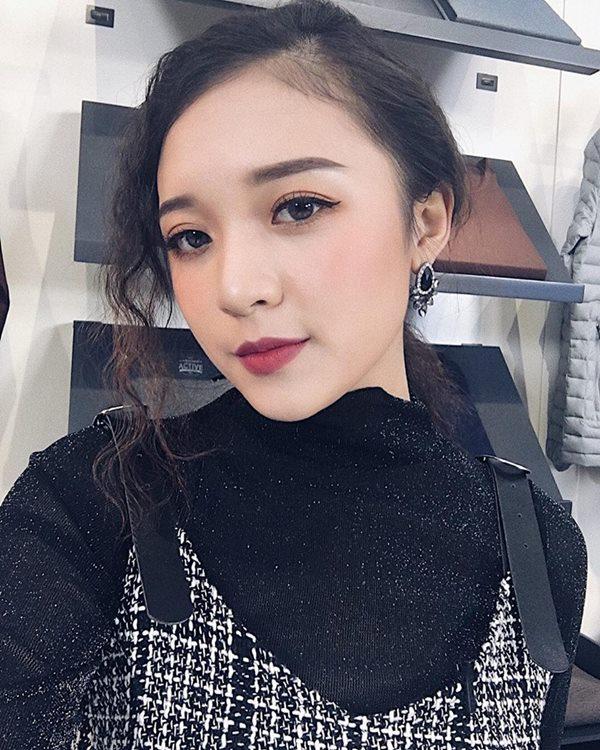 Vẻ đẹp tuổi trăng tròn trong ngần của nữ MC mới của đài VTV - 6