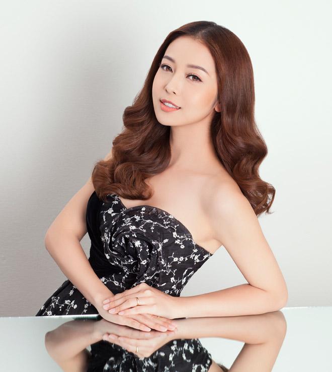 8 bí mật sau gương mặt đẹp hút hồn của hoa hậu Jennifer Phạm - 3