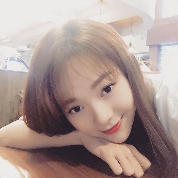 Nhã Phương để tóc sao y bản chính Song Hye Kyo trong Hậu duệ mặt trời - 9