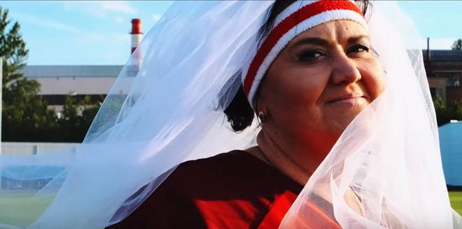 Người phụ nữ Nga giảm 90kg cấp tốc vì muốn làm cô dâu của CR7 - 2
