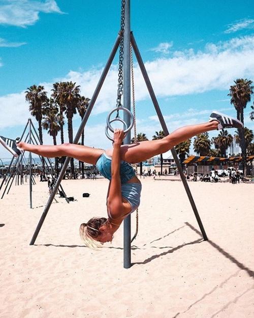 Cựu vận động viên Olympic gây thích thú vì tập yoga mọi nơi - 14