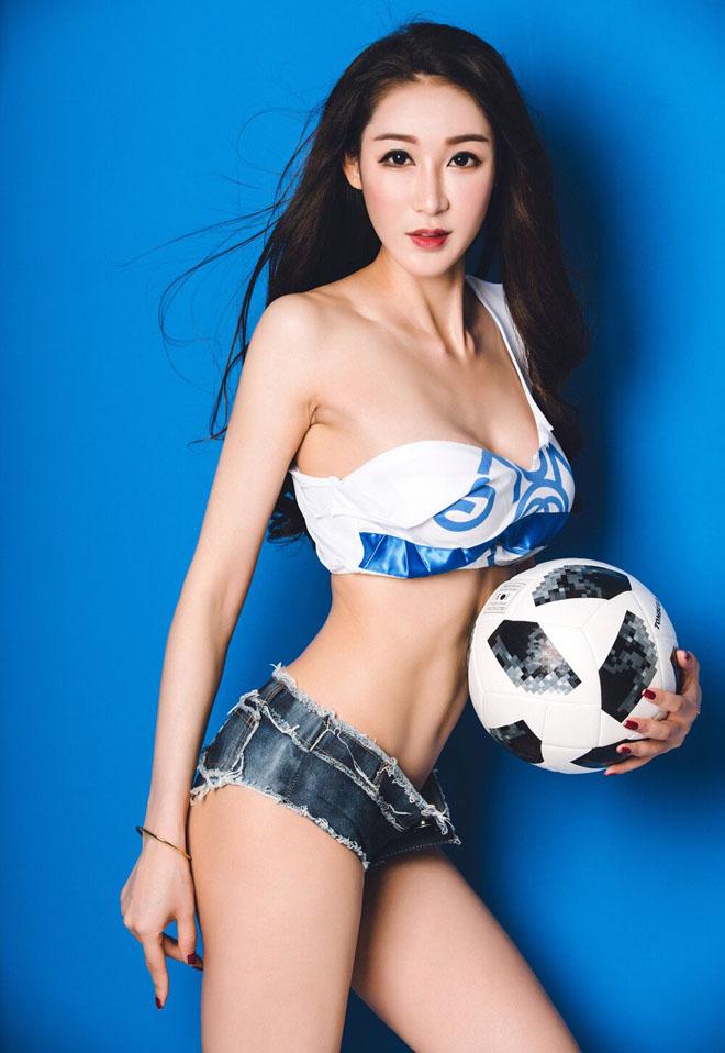 """Tập yoga giúp """"Tiểu Phạm Băng Băng"""" tự tin phô diễn đường cong vì Messi - 2"""