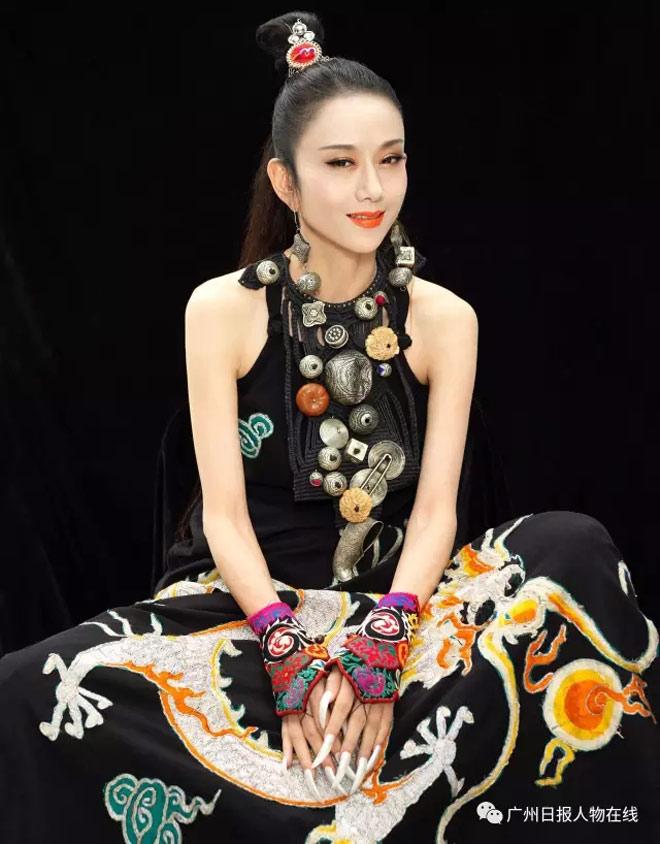 """""""Thiên nga múa Trung Quốc"""" đẹp không tì vết ở tuổi 60 nhờ ngừng ăn cơm - 3"""