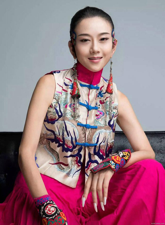"""""""Thiên nga múa Trung Quốc"""" đẹp không tì vết ở tuổi 60 nhờ ngừng ăn cơm - 6"""