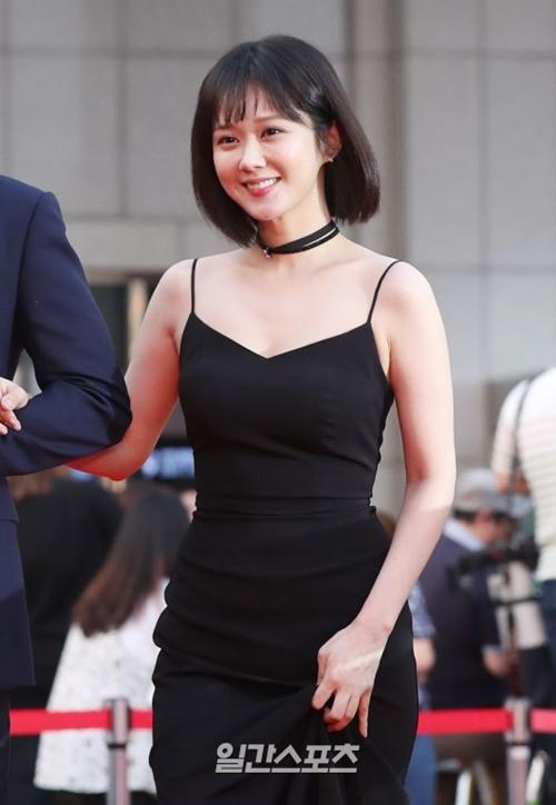 """Gần 40 mà trẻ như gái đôi mươi, bảo sao Jang Na Ra không bị gọi là """"yêu quái"""" - 10"""