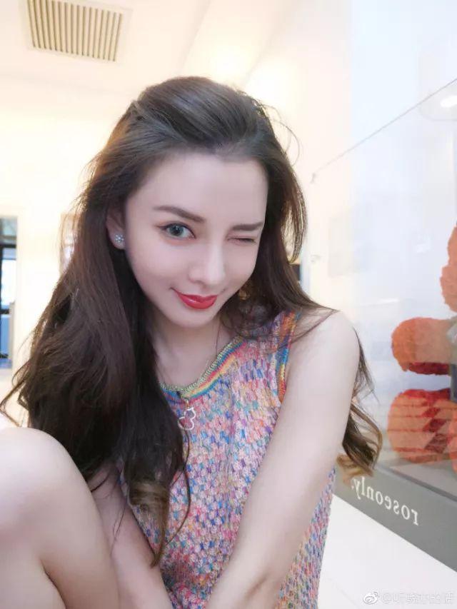 """Cô gái Đài Loan """"đập toàn mặt xây lại"""" để giống hệt Angela Baby - 8"""