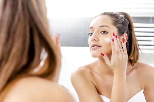 Sai lầm khi dùng dầu dừa dưỡng da và kem đánh răng trị mụn - 4