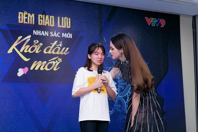 Sự thật đằng sau vẻ đẹp của Hoa hậu Hương Giang - 6