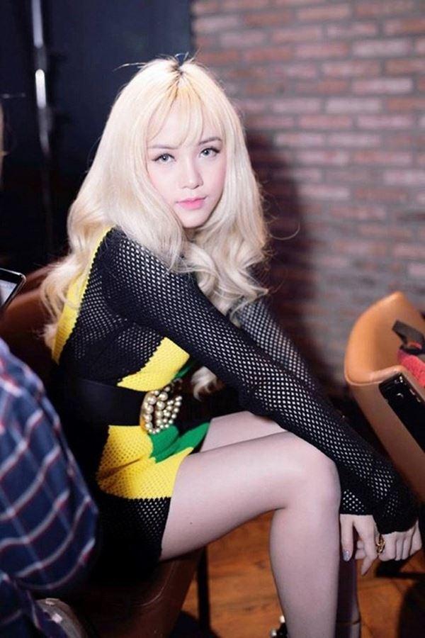 """Tình cũ Cường Đô La để tóc như """"ụ rơm"""", fan chê giống búp bê hư - 9"""
