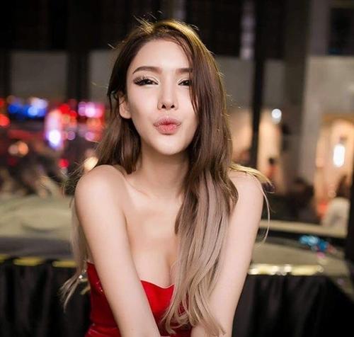 Đường cong nghẹt thở của nữ DJ Singapore đã đẹp còn học giỏi, cát xê cao - 13