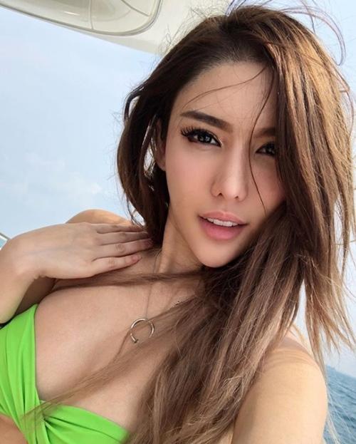 Đường cong nghẹt thở của nữ DJ Singapore đã đẹp còn học giỏi, cát xê cao - 14