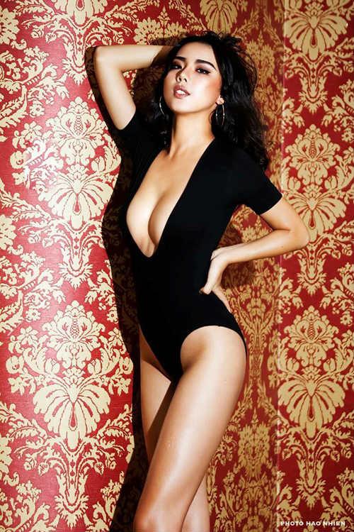 Người mẫu mặc bikini đón U23 VN từng nhập viện vì giảm cân sai cách - 2