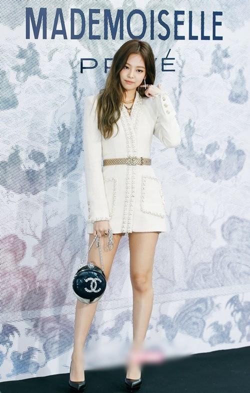 """Thân hình đẹp xuất sắc không 1% mỡ thừa của """"nữ thần"""" mới xứ Hàn - 2"""
