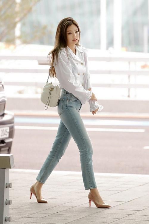 """Thân hình đẹp xuất sắc không 1% mỡ thừa của """"nữ thần"""" mới xứ Hàn - 15"""