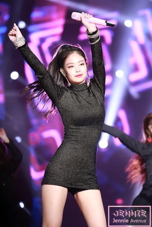 """Thân hình đẹp xuất sắc không 1% mỡ thừa của """"nữ thần"""" mới xứ Hàn - 4"""