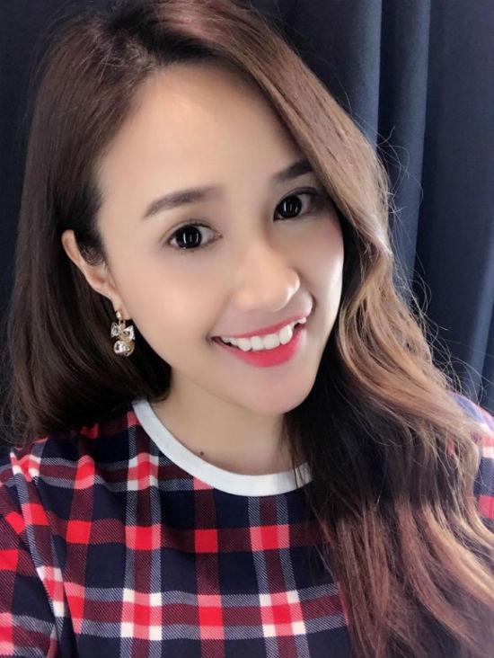 """""""Bản sao"""" Mai Phương Thúy tiết lộ bí quyết trẻ măng như thiếu nữ - 4"""