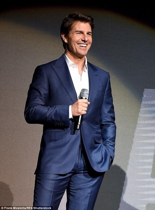 U60 Tom Cruise vẫn khiến gái trẻ mê mệt thân hình cường tráng nhờ 3 điều này - 2