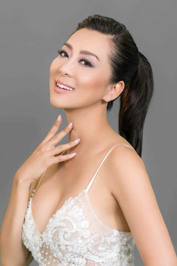 Sự thật đằng sau vẻ đẹp U50 của nữ MC hot nhất hải ngoại? - 4