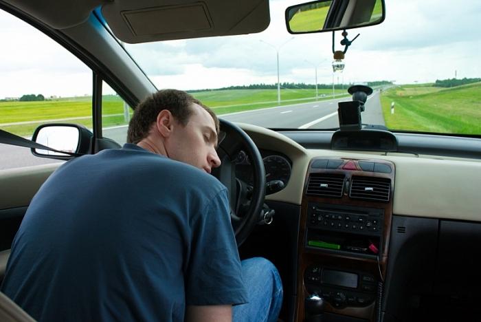 10 bí kíp giúp tài xế thoát khỏi cơn buồn ngủ khi lái xe đường dài