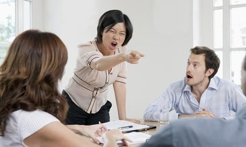9 mẹo ứng xử khi bất đồng ý kiến với cấp trên