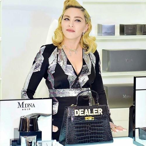 60 tuổi, Madonna vẫn sung mãn khó tin nhờ tập ngày 5 tiếng, ăn ngày 6 bữa - 4