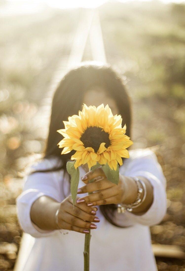 Yêu bản thân, cười nhiều giúp bạn hạnh phúc hơn mỗi ngày