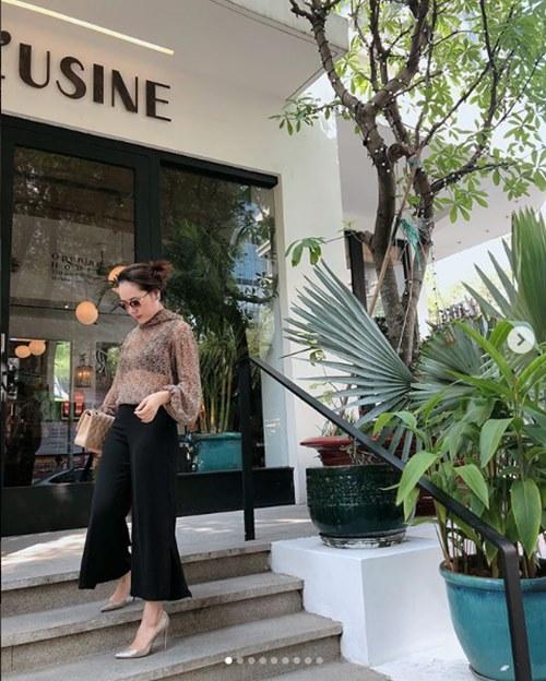 35 tuổi, Phương Linh vẫn đẹp mê hồn nhờ mặc áo mưa nhảy dây - 4