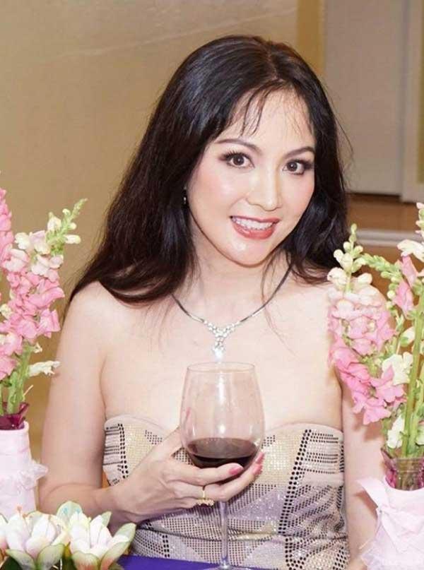Hoa hậu Việt Nam 1996 Nguyễn Thiên Nga làm gì để đẹp bền bỉ sau biến cố cuộc đời? - 2