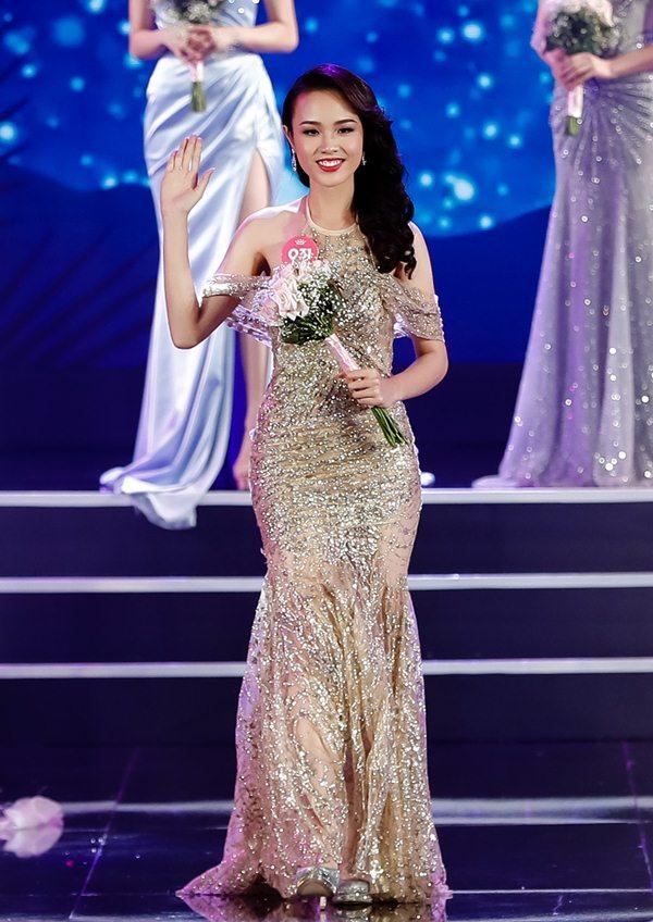 """Màn """"lột xác"""" của hai mỹ nhân Hoa hậu Việt Nam 2018 khiến nhiều người ngỡ ngàng - 5"""