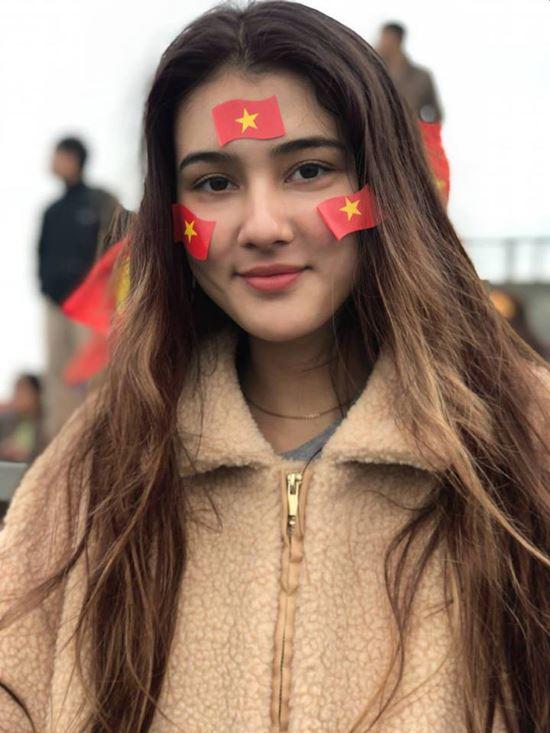 Bí quyết da đẹp không tì vết của bông hồng lai mê bóng đá Việt - 7