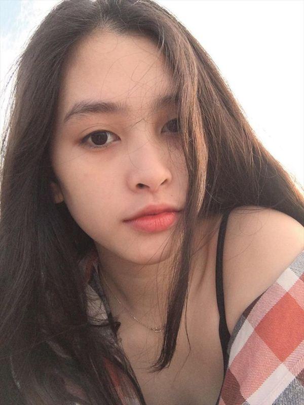 Dung mạo đời thường tuyệt xinh của Top 3 Hoa hậu Việt Nam 2018 - 3