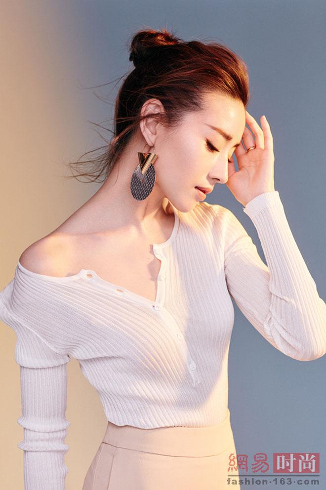 Châu Tấn, Đổng Khiết đẹp mỹ miều sau khi ly hôn, bị chồng bỏ - 6