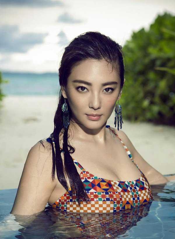 """""""Song Hye Kyo Trung Quốc"""" nở nang căng tràn dù không ăn thịt - 3"""